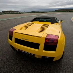 Lamborghini en carretera en Brunete (Madrid)