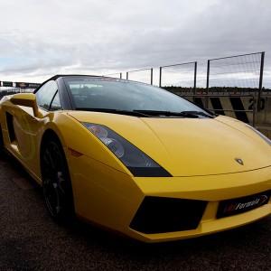 Lamborghini en carretera en Calafat (Tarragona)