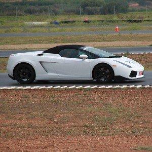 Lamborghini en carretera en Villaverde de Medina (Valladolid)