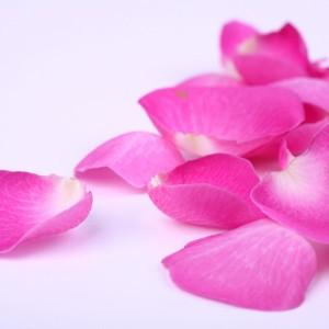 Masaje facial de rosas + masaje de manos y piernas en Madrid