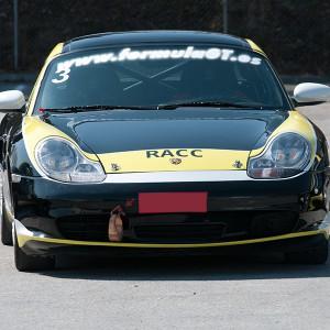 Porsche en carretera en S.S. de los Reyes (Madrid)