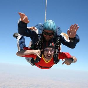 Salto en paracaidas tándem en Lillo, cerca de (Madrid)