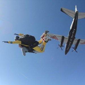 Salto en paracaidas tándem en Empuriabrava (Girona)