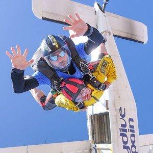 Salto en paracaidas tándem en Bollullos de la Mitación (Sevilla)