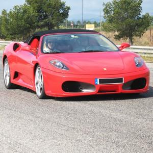Ferrari en carretera - 11 km